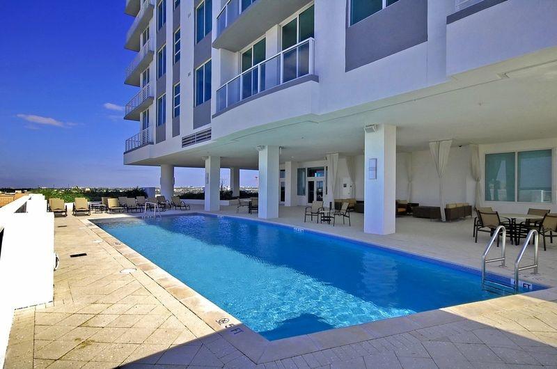 strada-pool